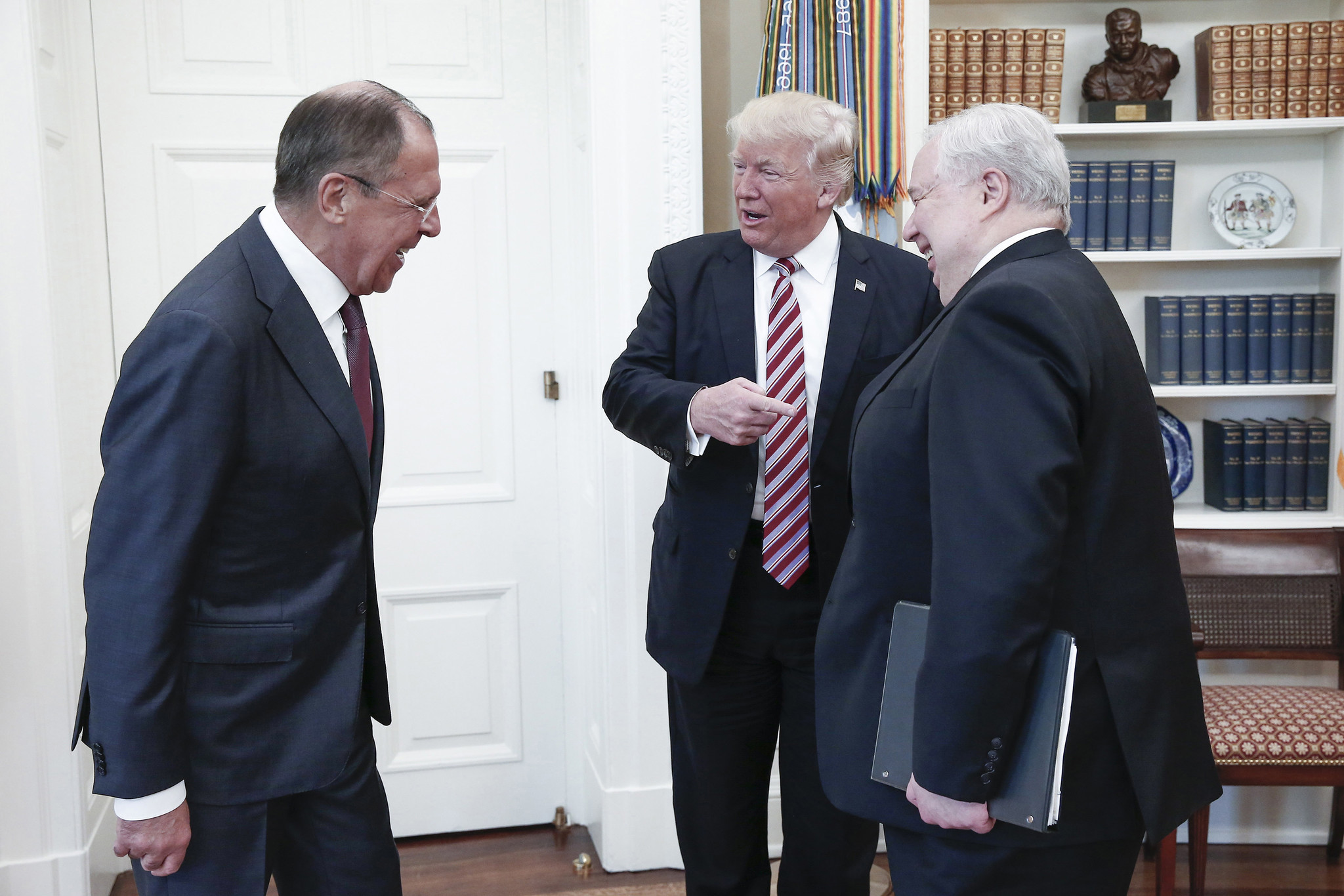 President Trump meets with Russian officials in the Oval Office