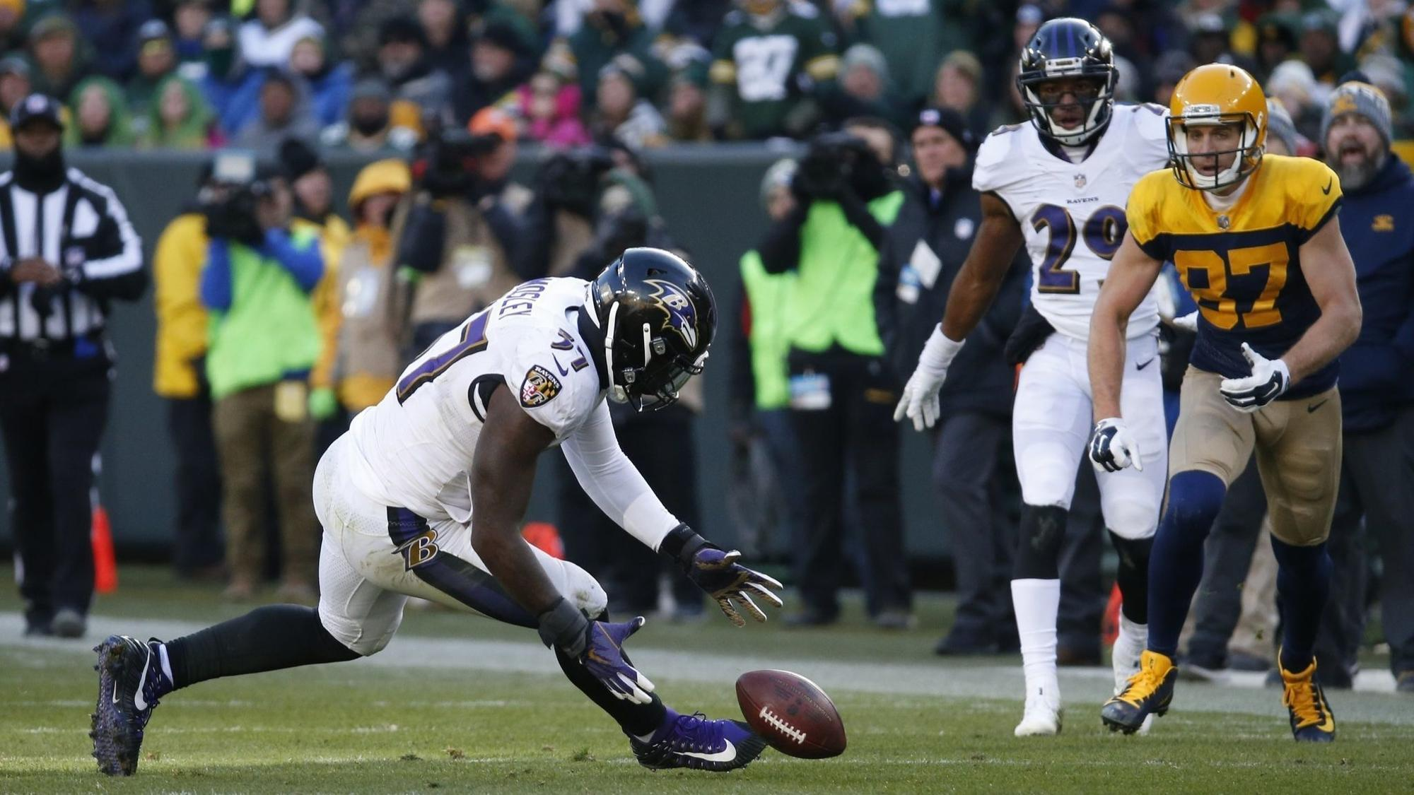 Bs-sp-ravens-cj-mosley-contract-20180417