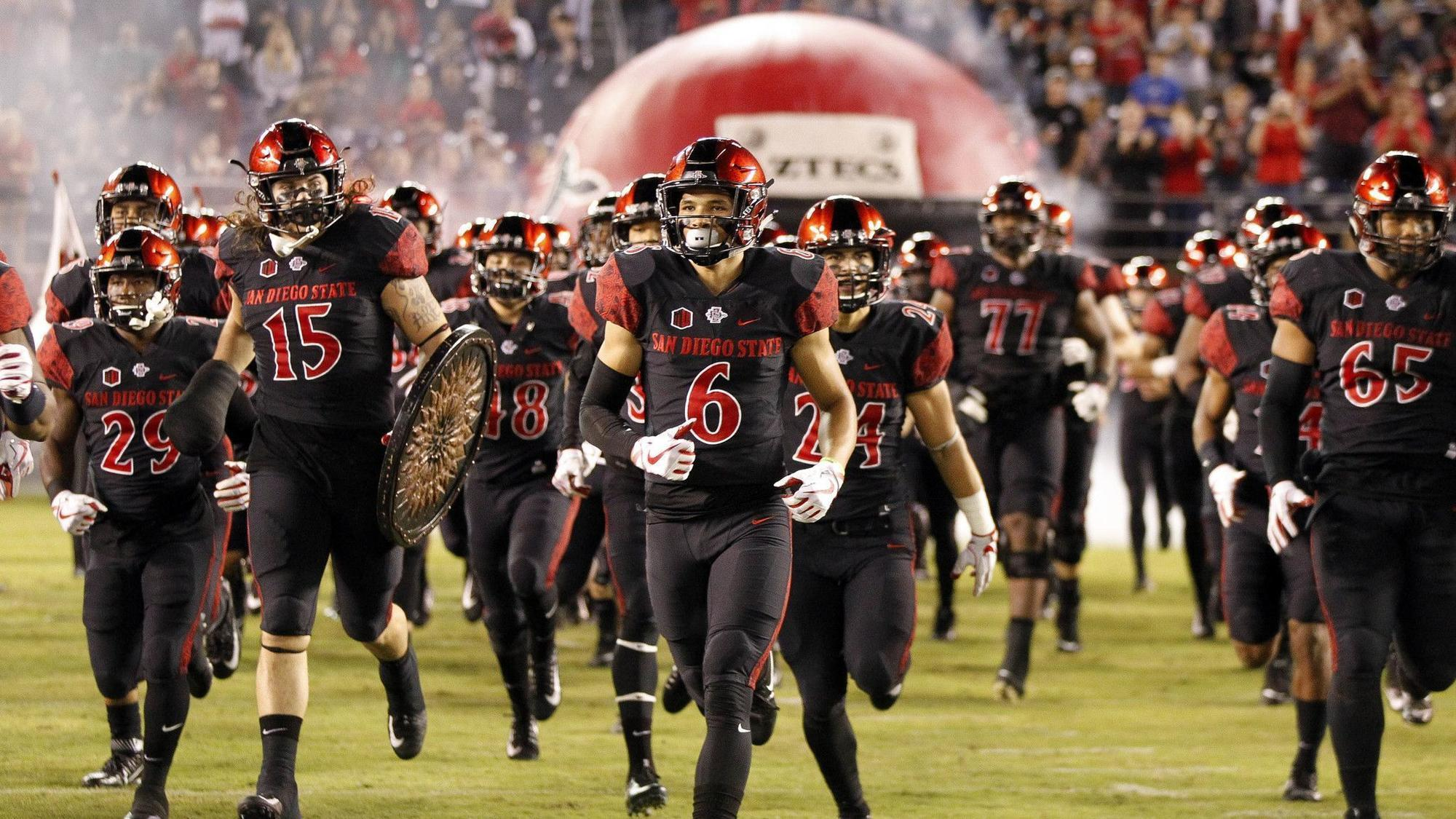 Sd-sp-azfoot-sdsu-football-on-campus-recruiters-make-talent-hunt-more-thorough-0419