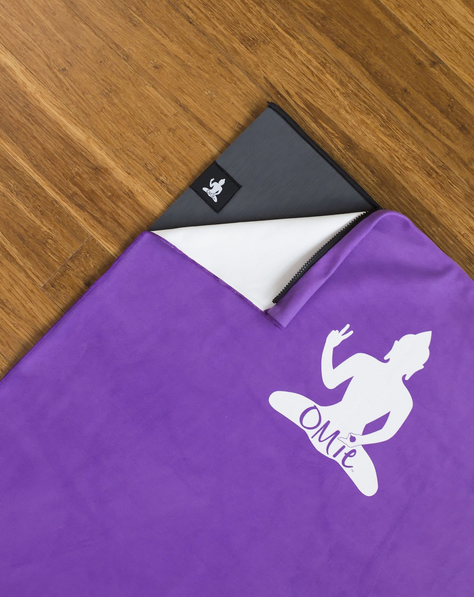 OMie Yoga mat with zip-on towel.