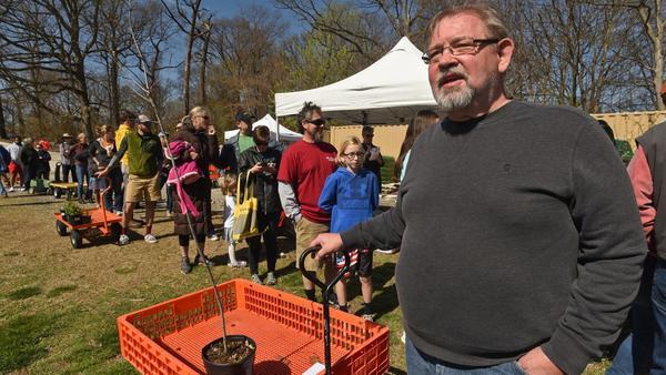 Herring Run Nursery hosts Earth Day tree giveaway to help 'keep Baltimore green' | Baltimore Sun