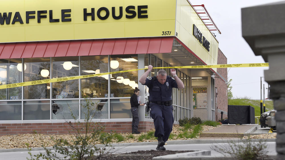 AR-15 used by Waffle House shooter had been seized by FBI and then returned…
