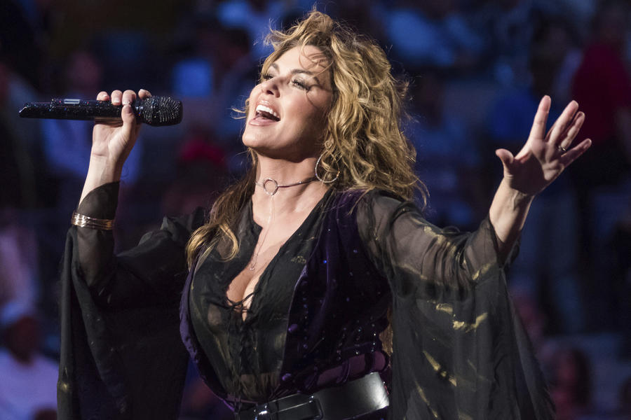 Shania Twain is walking back comments she made in an interview with the Guardian. (Charles Sykes / Associated Press)