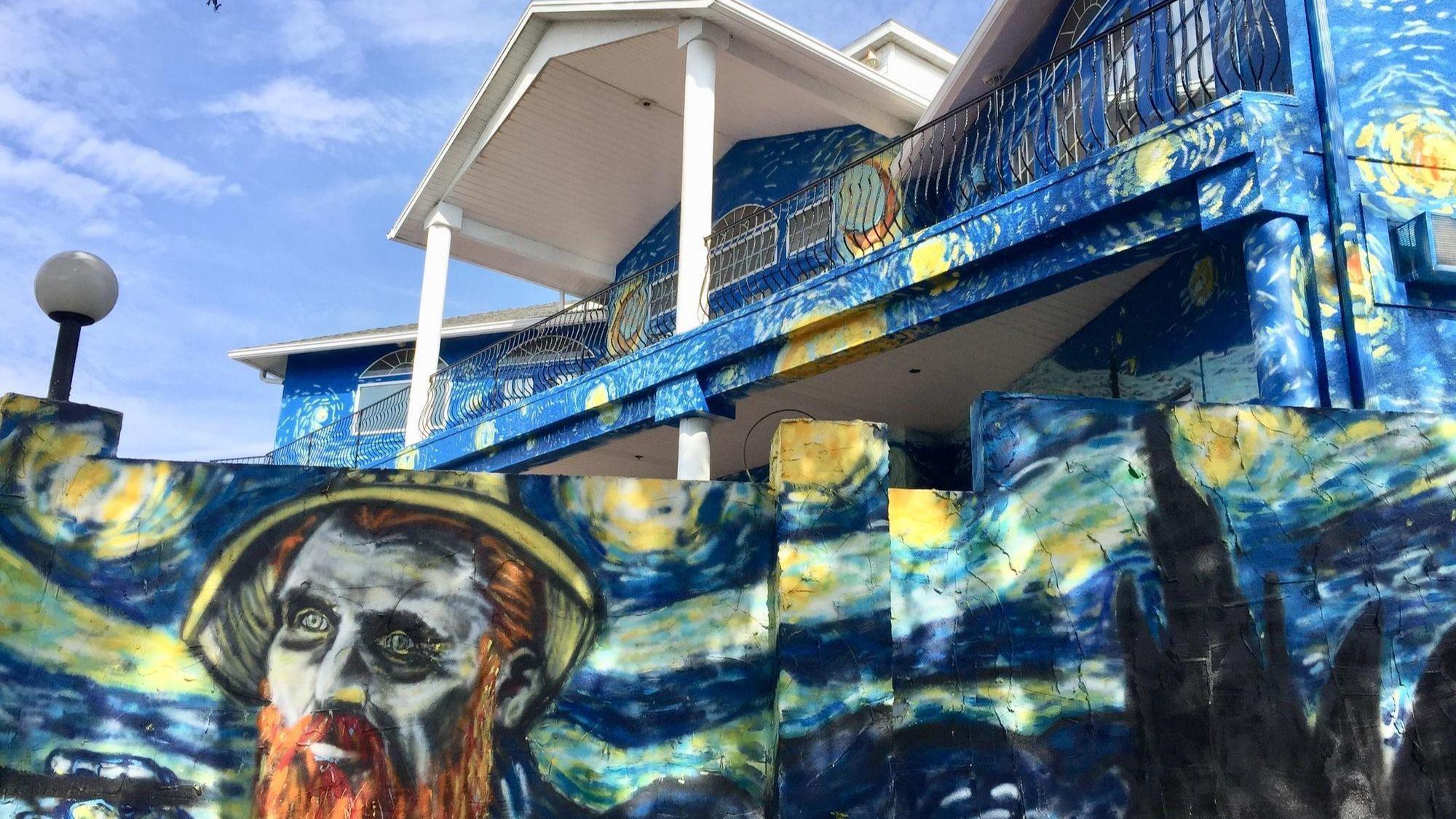Florida S Starry Night Home Dispute Draws National