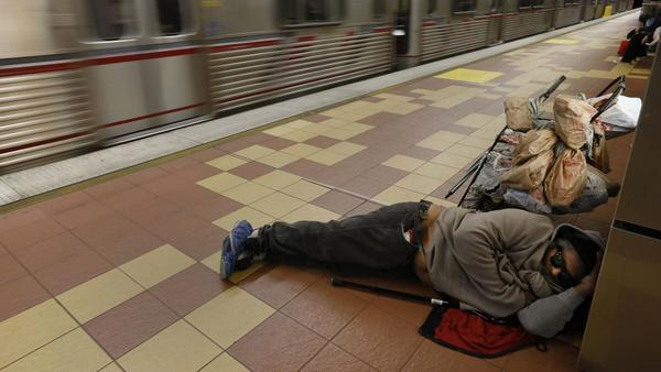 Jobs and work support could curtail L.A.'s stubborn homeless crisis, study says