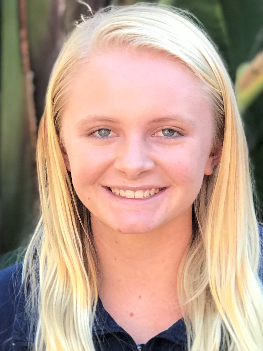 ESCONDIDO  Running all by herself for all but the first 100 meters, La Costa Canyon High senior McKenna Brown eclipsed the San Diego Section record over 3200 meters with a time o