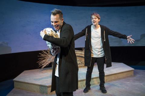 Paul Michael ThomsonandAaron KirbyinGreenhouse Theater Center'sChicago premiere ofBirds of a Feather.