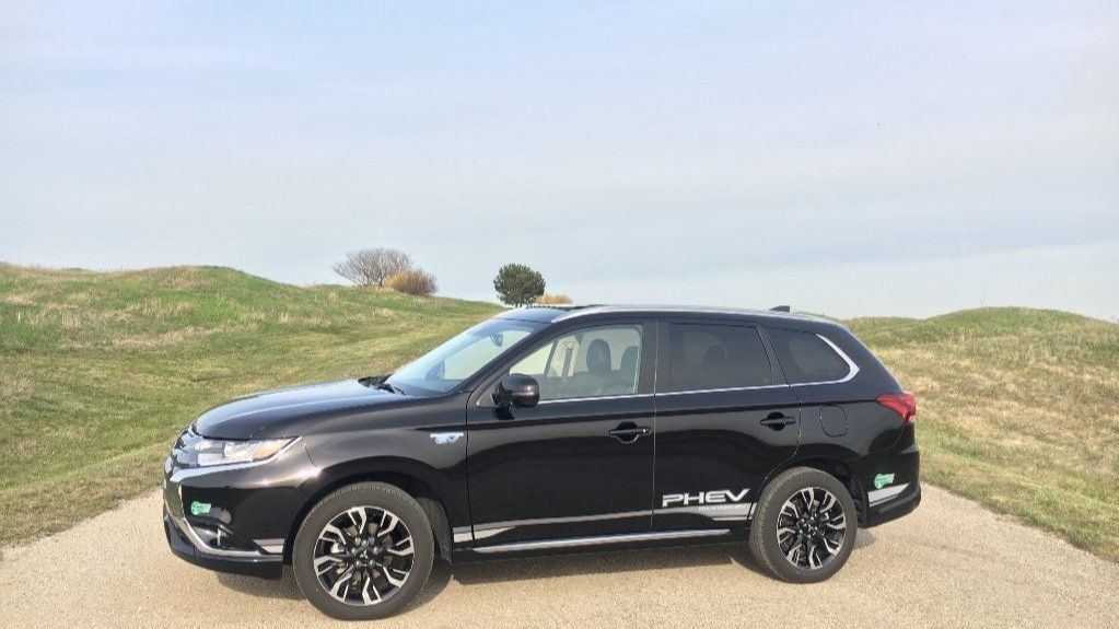 Review 2018 Mitsubishi Outlander Phev Is A Great Compromise