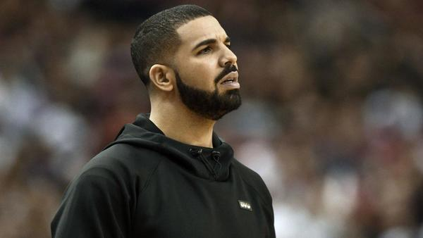 Drake and Kendrick Perkins have more than one heated exchange during Cavaliers-Raptors game
