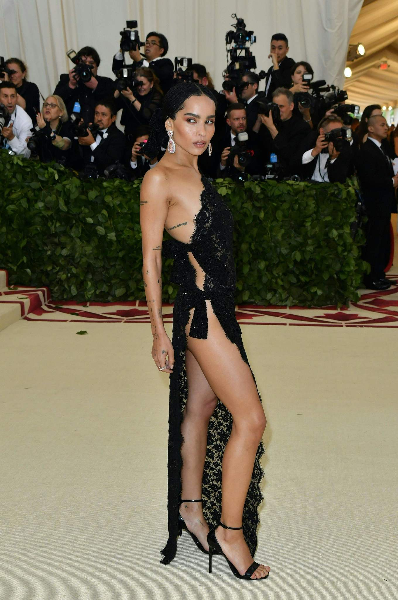 Zoë Kravitz is part of the group of stars who opted for a goth-style look for the Met Gala.