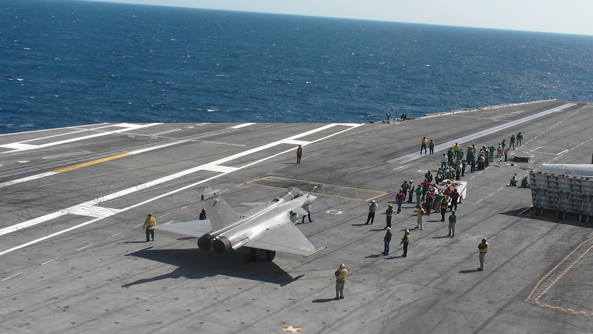 French Pilots Train With U S Navy Pilots Aboard The Uss George H W