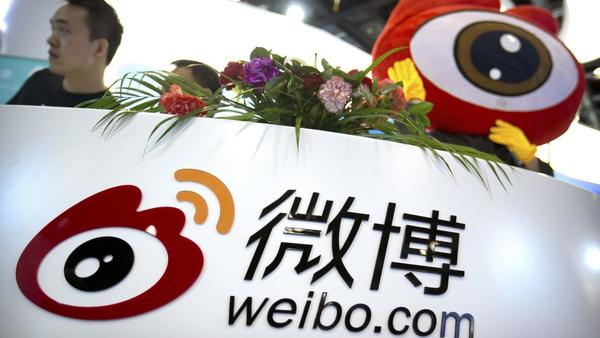 China's government cracks down on paid internet posts, while employing its own