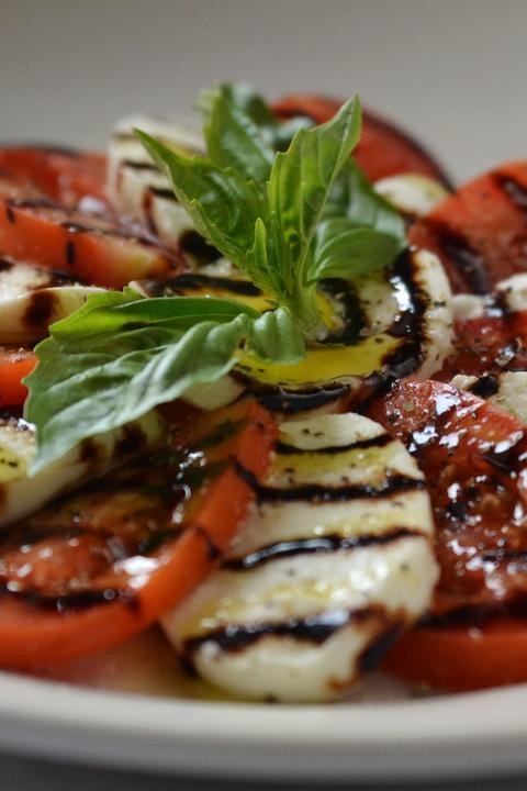Caprese Salad atMattone Restaurant + Bar,9 E 31st St, La Grange Park, IL 60526.