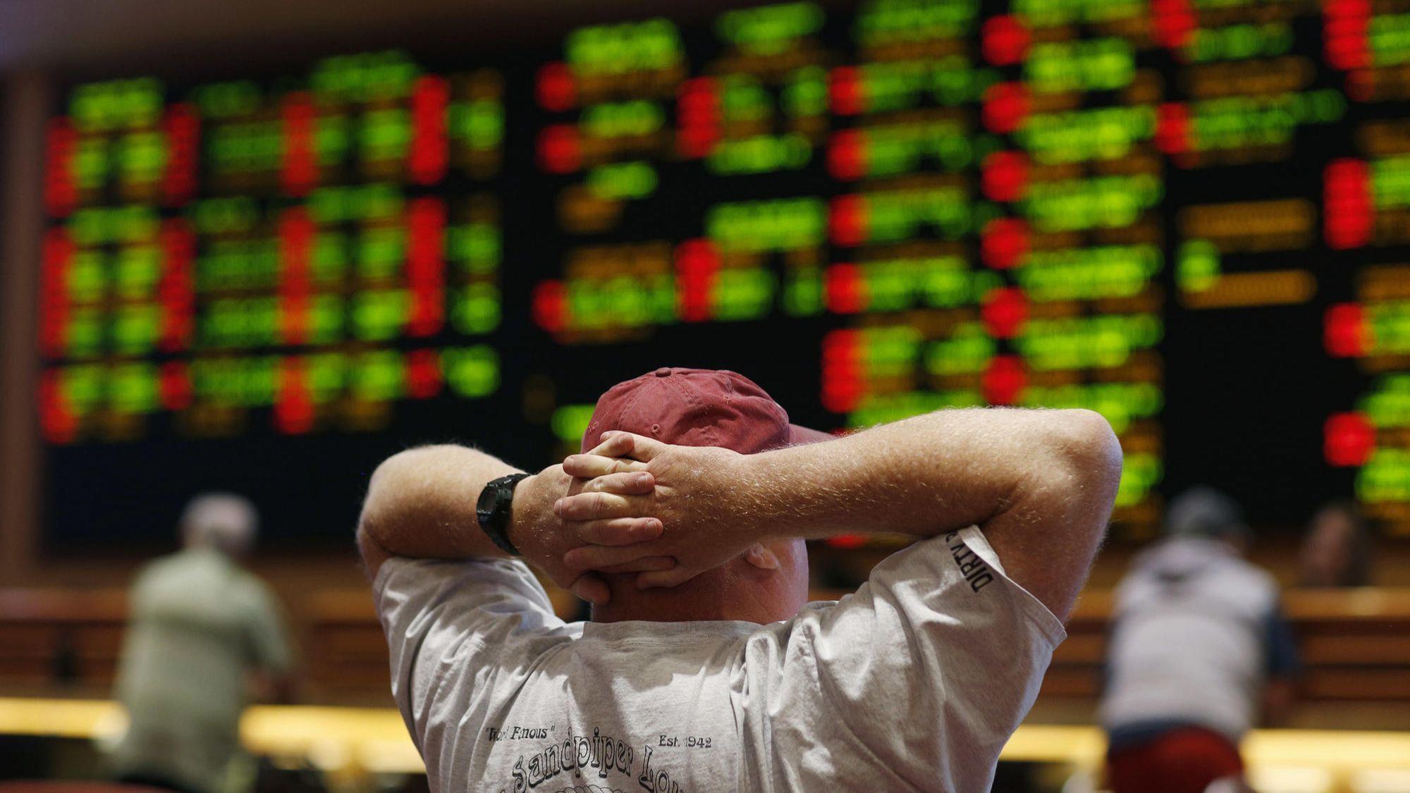Ct-spt-legalized-sports-gambling-integrity-fee-rosenbloom-20180515