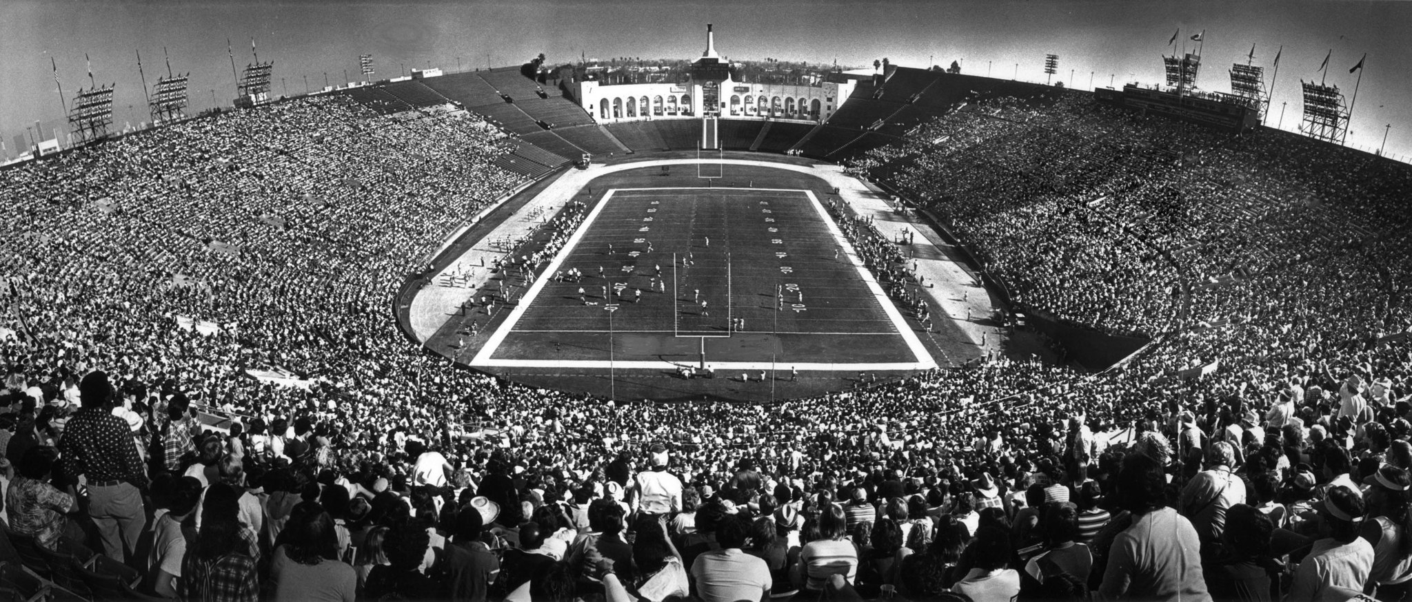 Dec. 16, 1979: The last regular season game played by the Los Angeles Rams at the Memorial Coliseum.