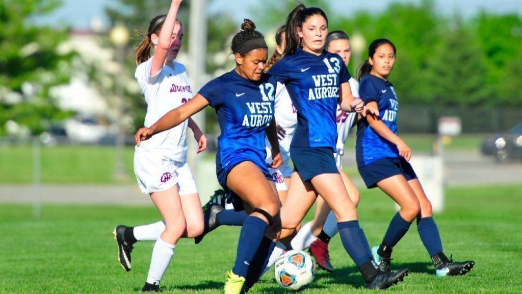 Ct-abn-spt-girls-soccer-lockport-st-0517