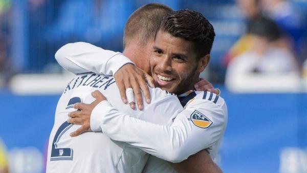 Short-handed Galaxy win despite Zlatan Ibrahimovic red card