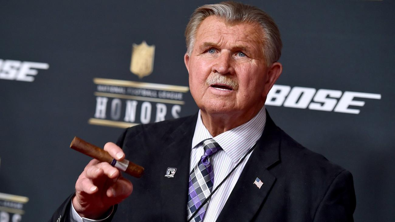 Ct-spt-bears-mike-ditka-college-speaker-20180522