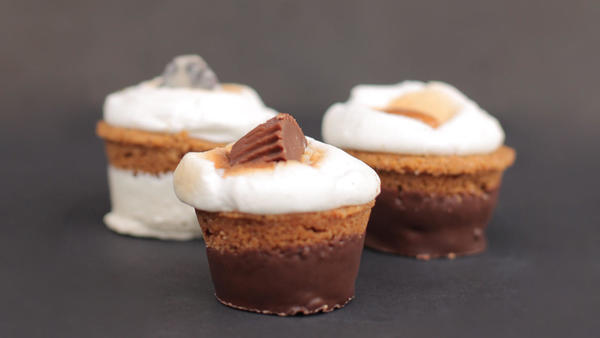 This new Mid-Wilshire dessert shop specializes in one thing: s'mores