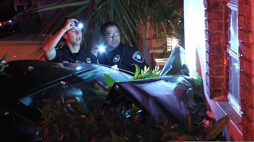 Mercedes Pembroke Pines >> Florida man flees traffic stop, smashes car into home, cops say - Orlando Sentinel