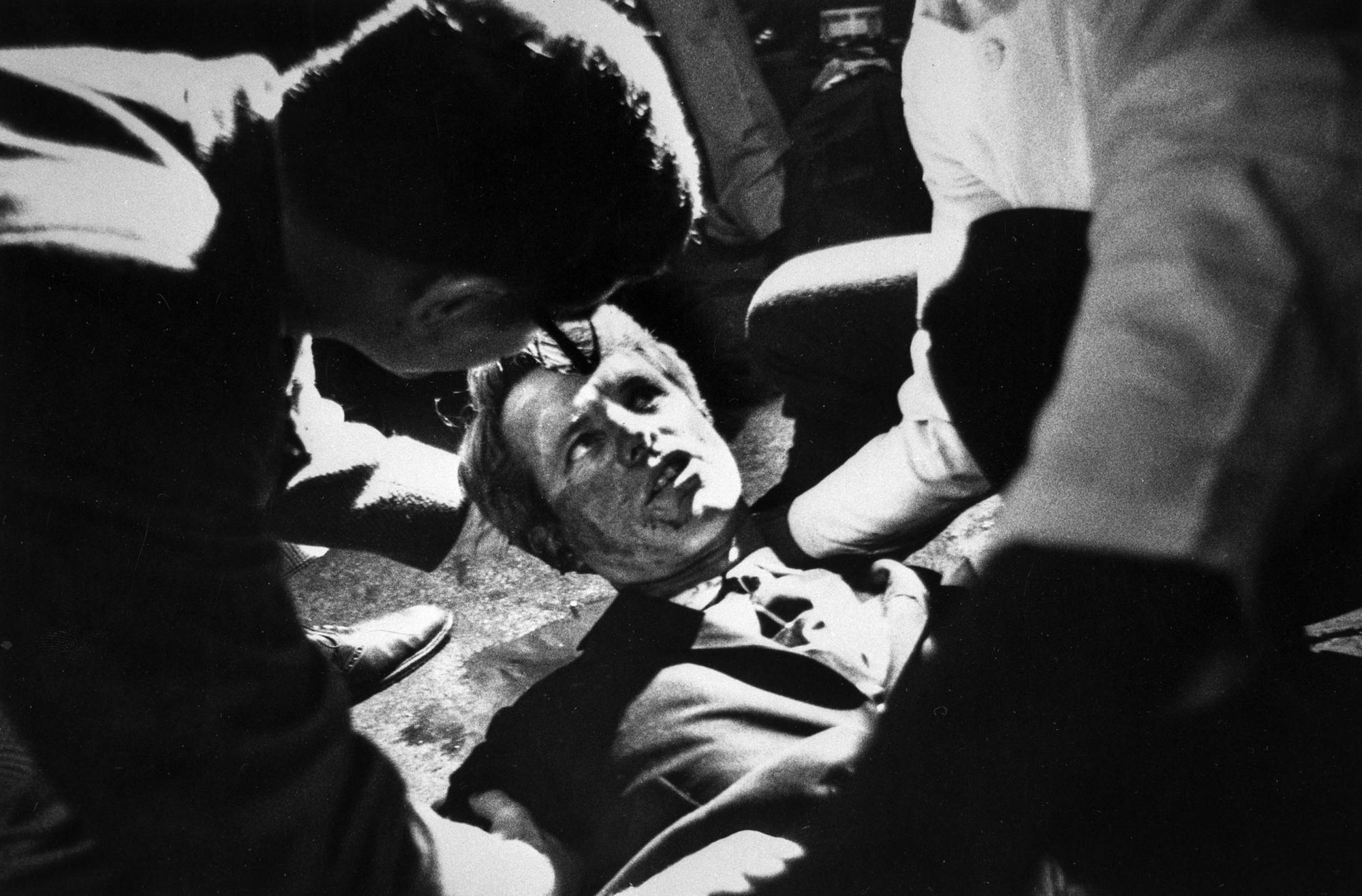 Robert Kennedy Why Cant You Actually >> Who Killed Bobby Kennedy His Son Rfk Jr Doesn T Believe It Was