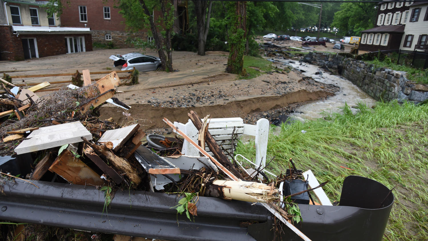 Aftermath, cleanup of flooding in Ellicott City