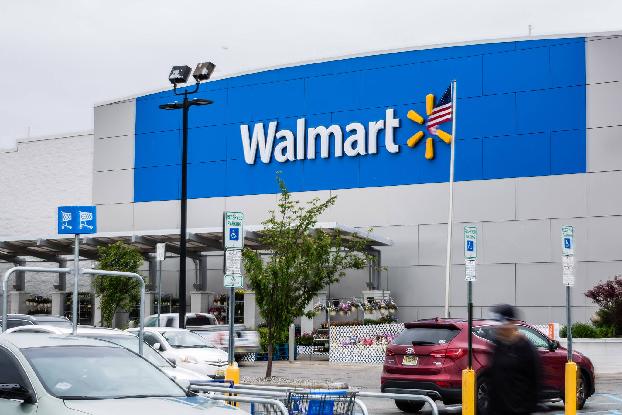 walmart to offer employees a college education for 1 a day chicago tribune