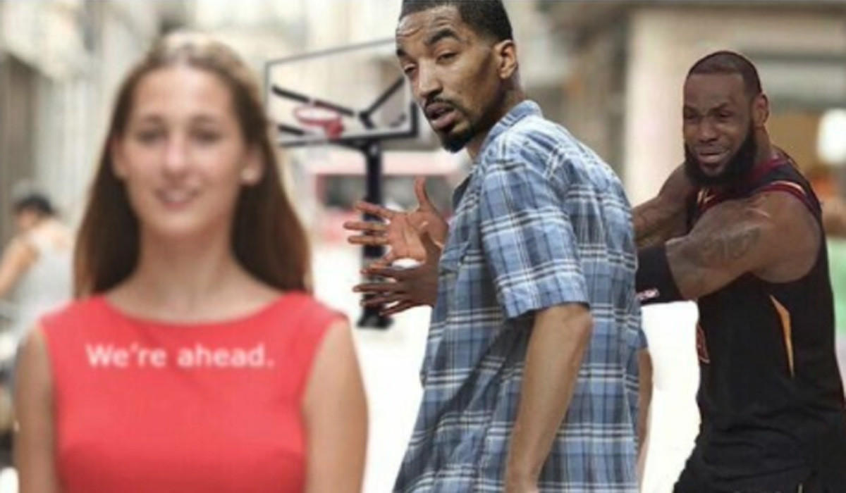 The internet can't get enough of JR Smith's Game 1 blunder — and LeBron James' reaction to it