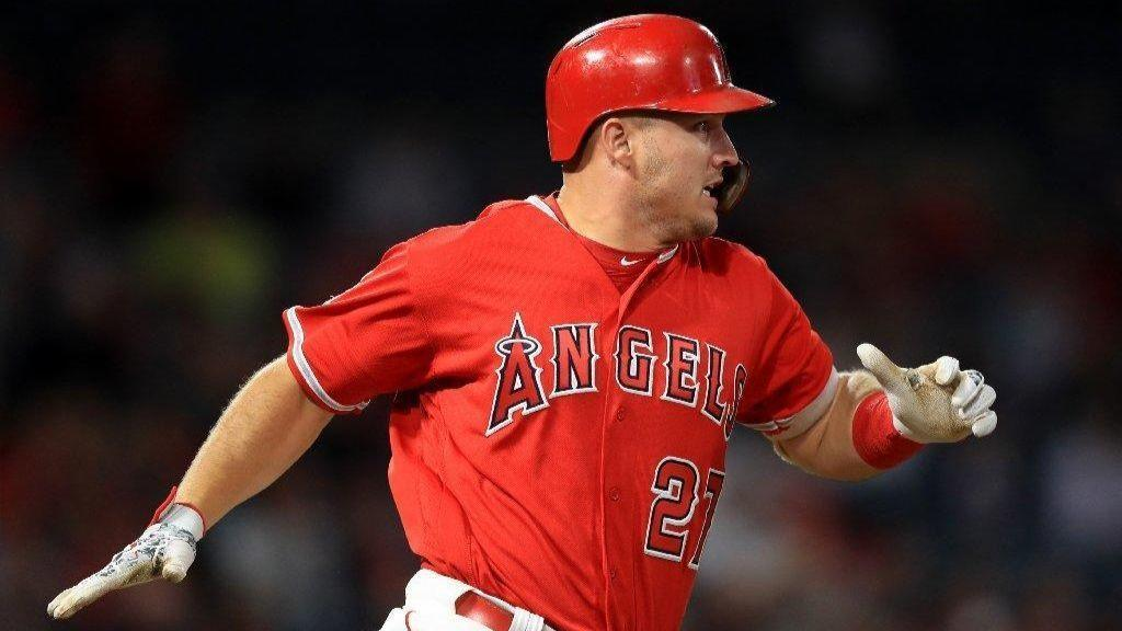 Angels take advantage of shifts, good fortune in victory over Royals 9-6