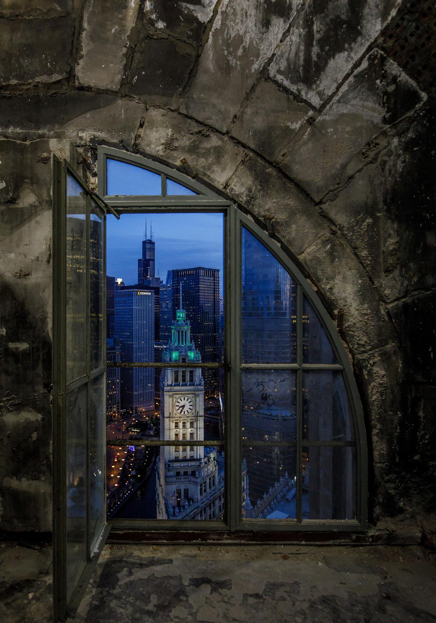Tribune Tower Past And Present Chicago Tribune