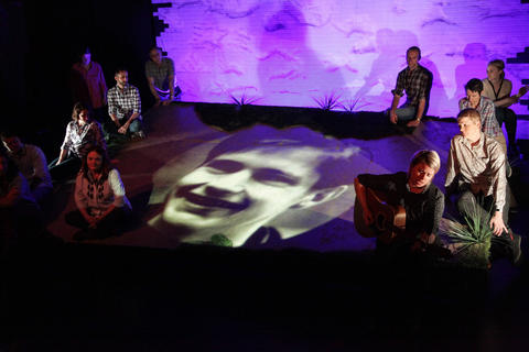 Liz Cloudwith (back, l to r)Erin O'Brien,Matt Harris,Amy Kasper,Alexandra Bennett,Ray KasperandRoberto JayinAstonRep Theatre Company'sproduction ofThe Laramie Projecton stage through July 8, 2018 at the Raven Theatre.