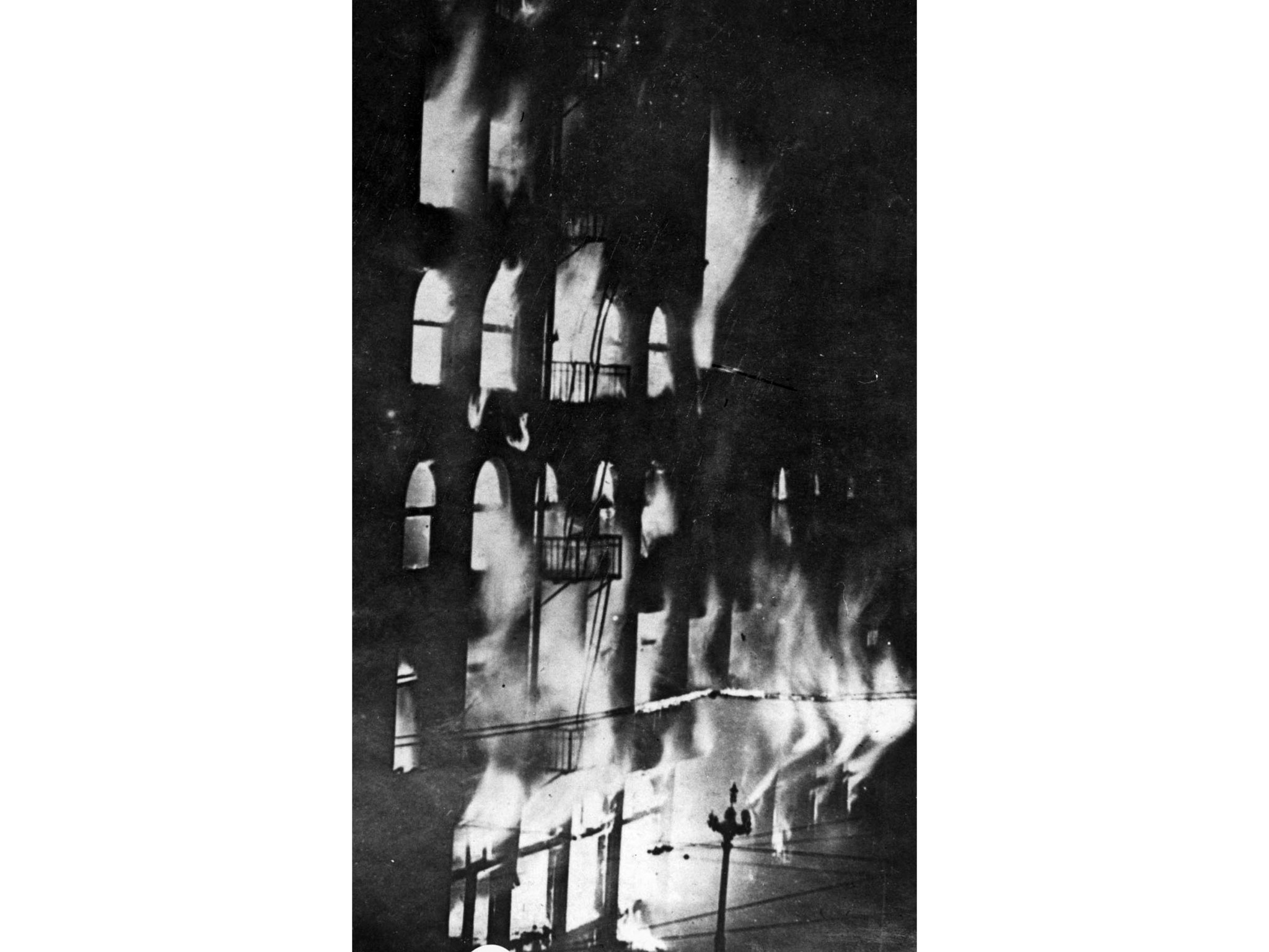 Oct. 1, 1910: Flames inside the Los Angeles Times building just a few minutes at the dynamite explos