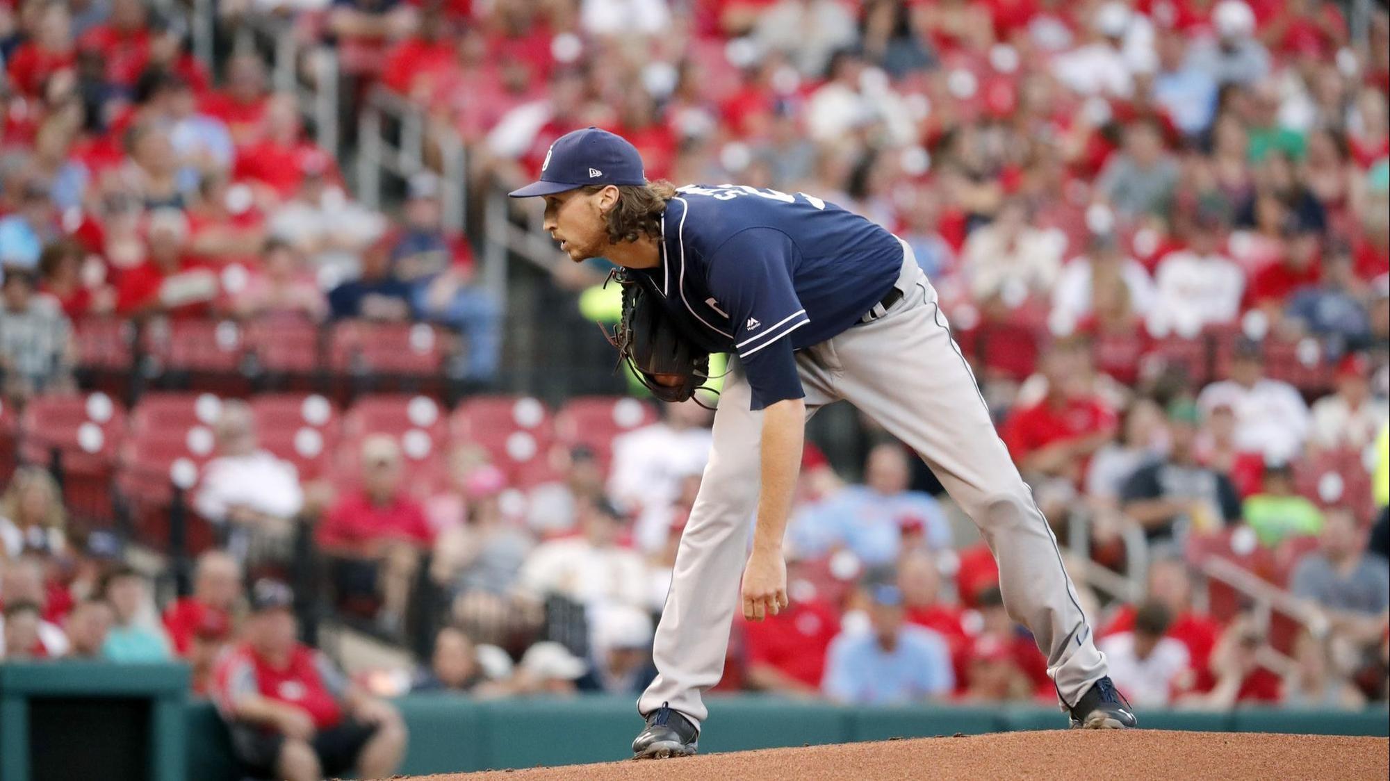 Padres bullpen beats Cardinals to even series
