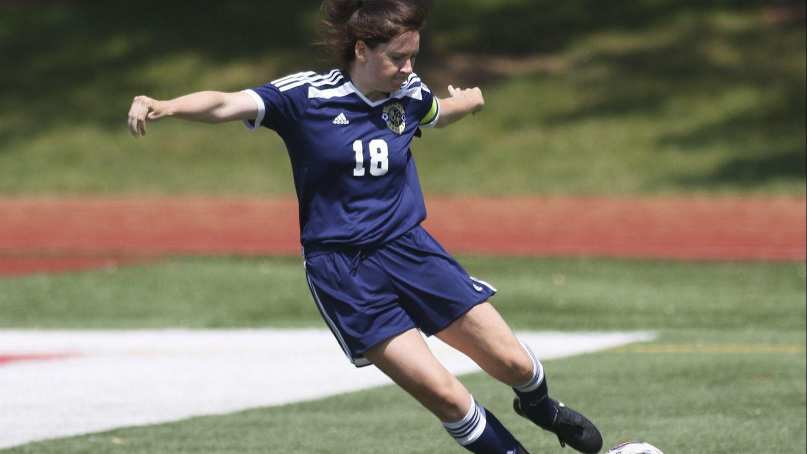 Ct-sta-spt-girls-soccer-lemont-mairead-ruane-st-0614