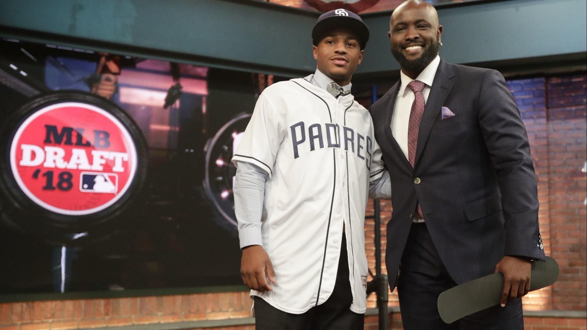 Sd-sp-padres-sign-xavier-edwards-20180613