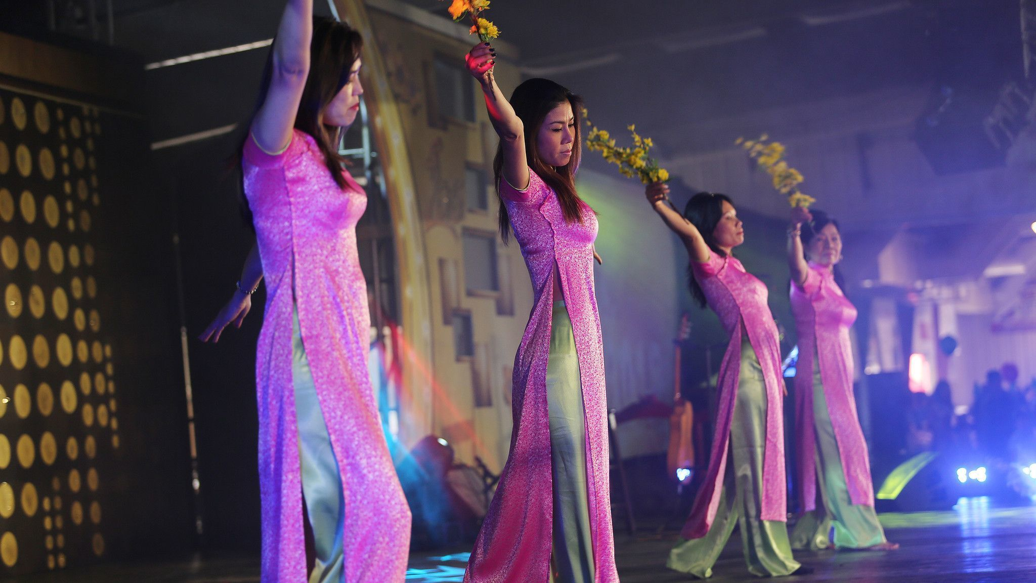 Members of Lac Hong, a Virtnamese cultural group, perform a New Year dance . The Vietnamese communit
