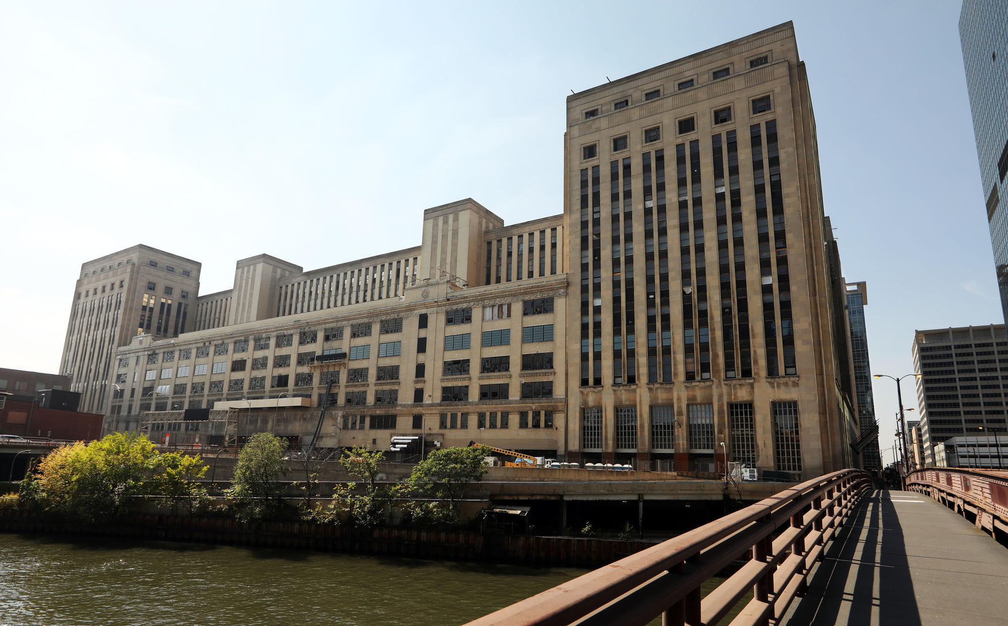 Walgreens To Become First Tenant At Chicago S Old Main Post Office