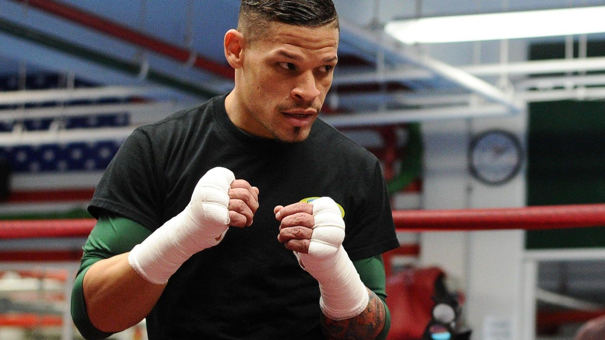 He's professional boxing's first openly gay athlete — and Chicago's  honoring him at Pride, Puerto Rican parades