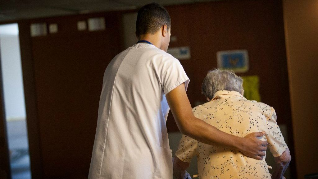 State Fines Nursing Homes Following Injuries To Residents | Hartford Courant