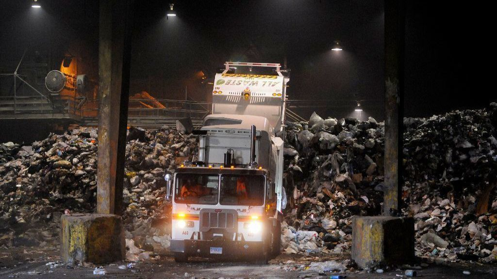 West Hartford Residents React: A Lot Of Trash Talk About New Garbage Proposal | Hartford Courant
