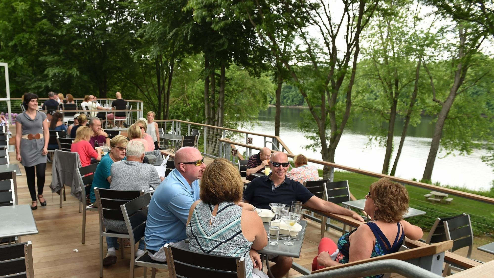 River An Italian Inspired Waterfront Restaurant With Unrivaled View Hartford Courant