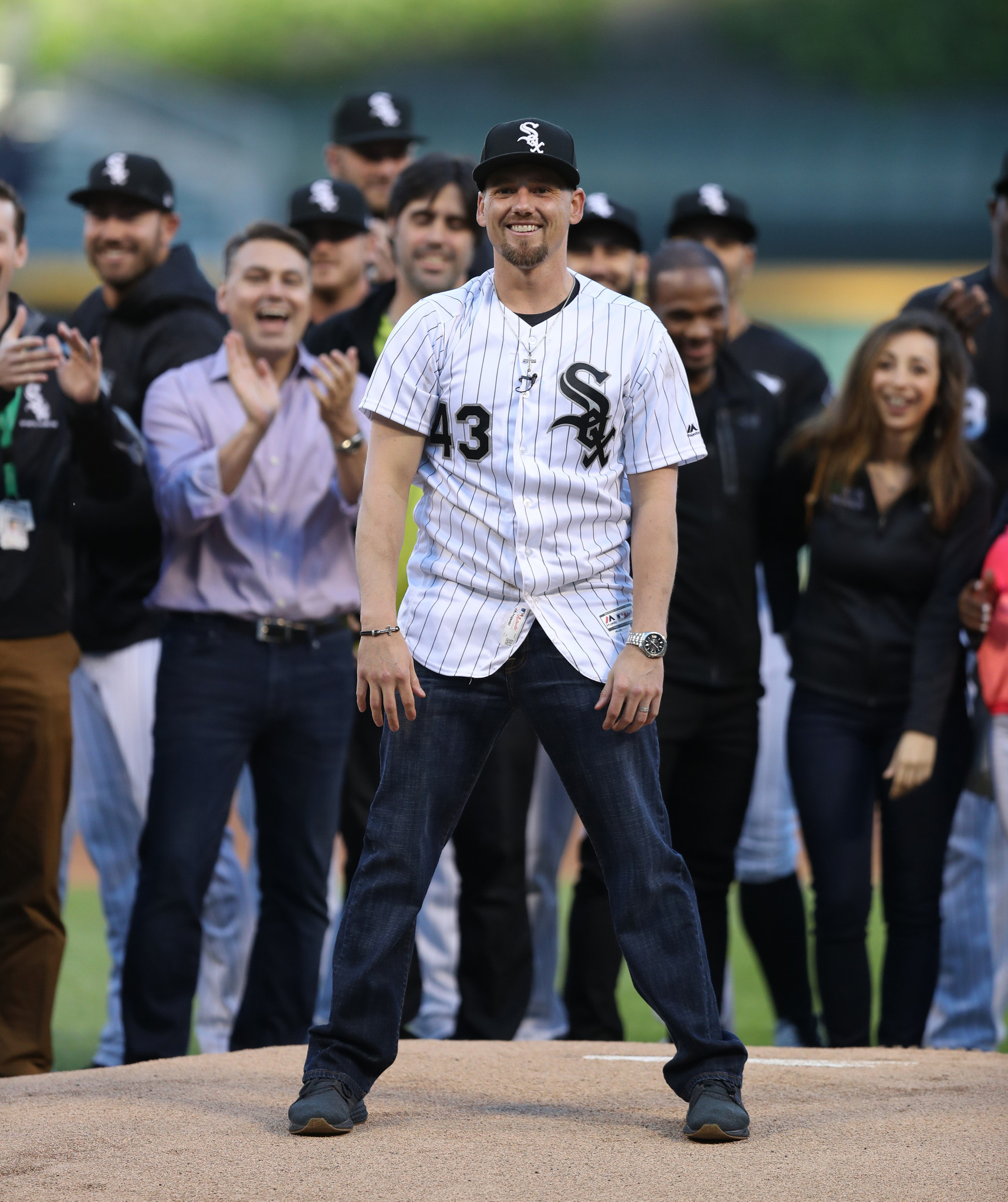 Danny Farquhar, who suffered a brain hemorrhage during a White Sox game, set to become a free agent