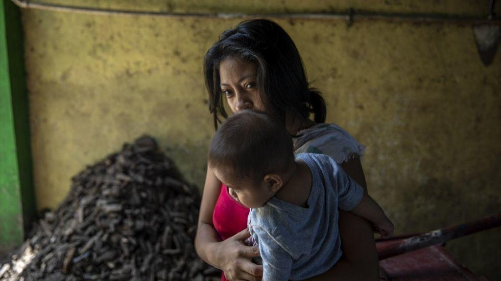 Salvadoran migrant in Mexico - photo by Alejandro Cegarra for The New York Times