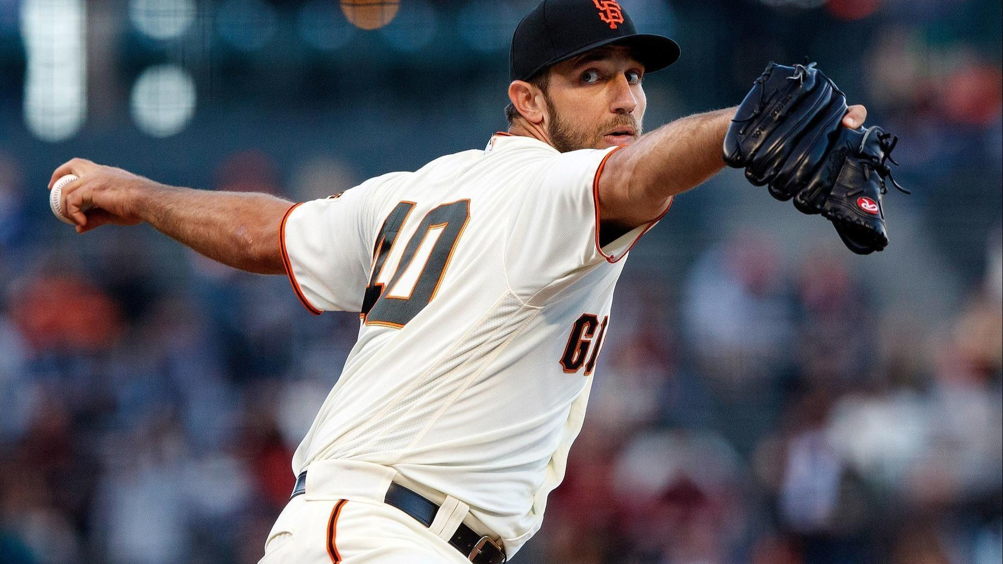 Sd-sp-giants-madison-bumgarner-handcuffs-padres-20180621