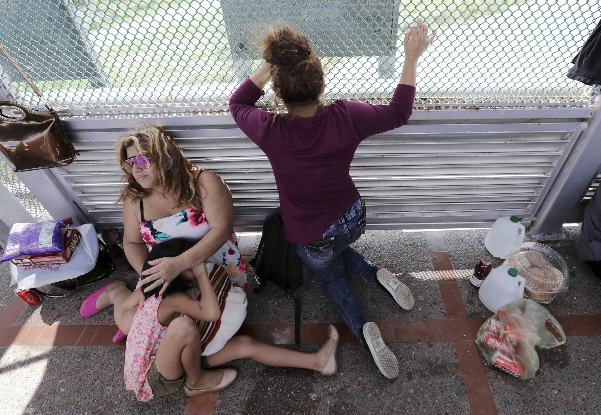 In Texas at a hub for border crossings families spread throughout U.S.