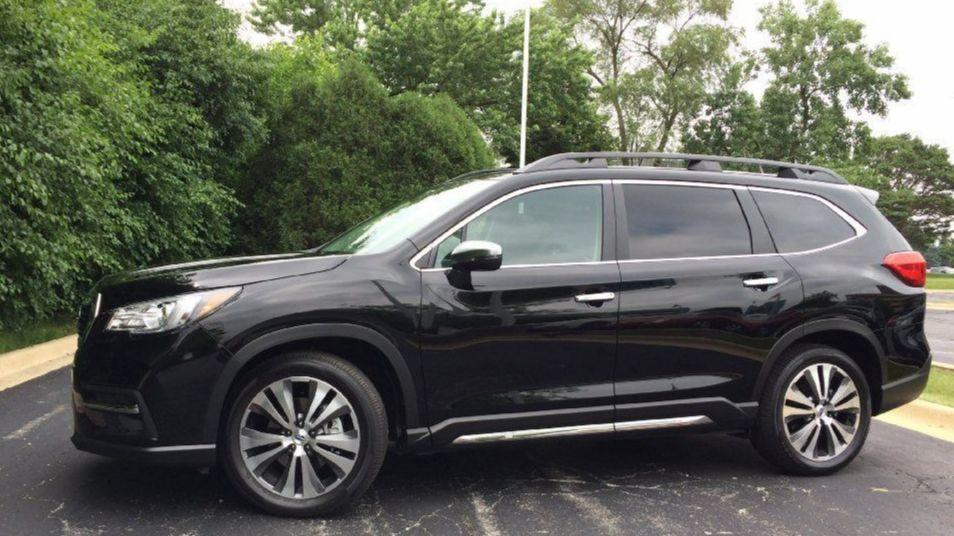 Review Subaru Climbs Into 3 Row Cl With 2019 Ascent Chicago Tribune
