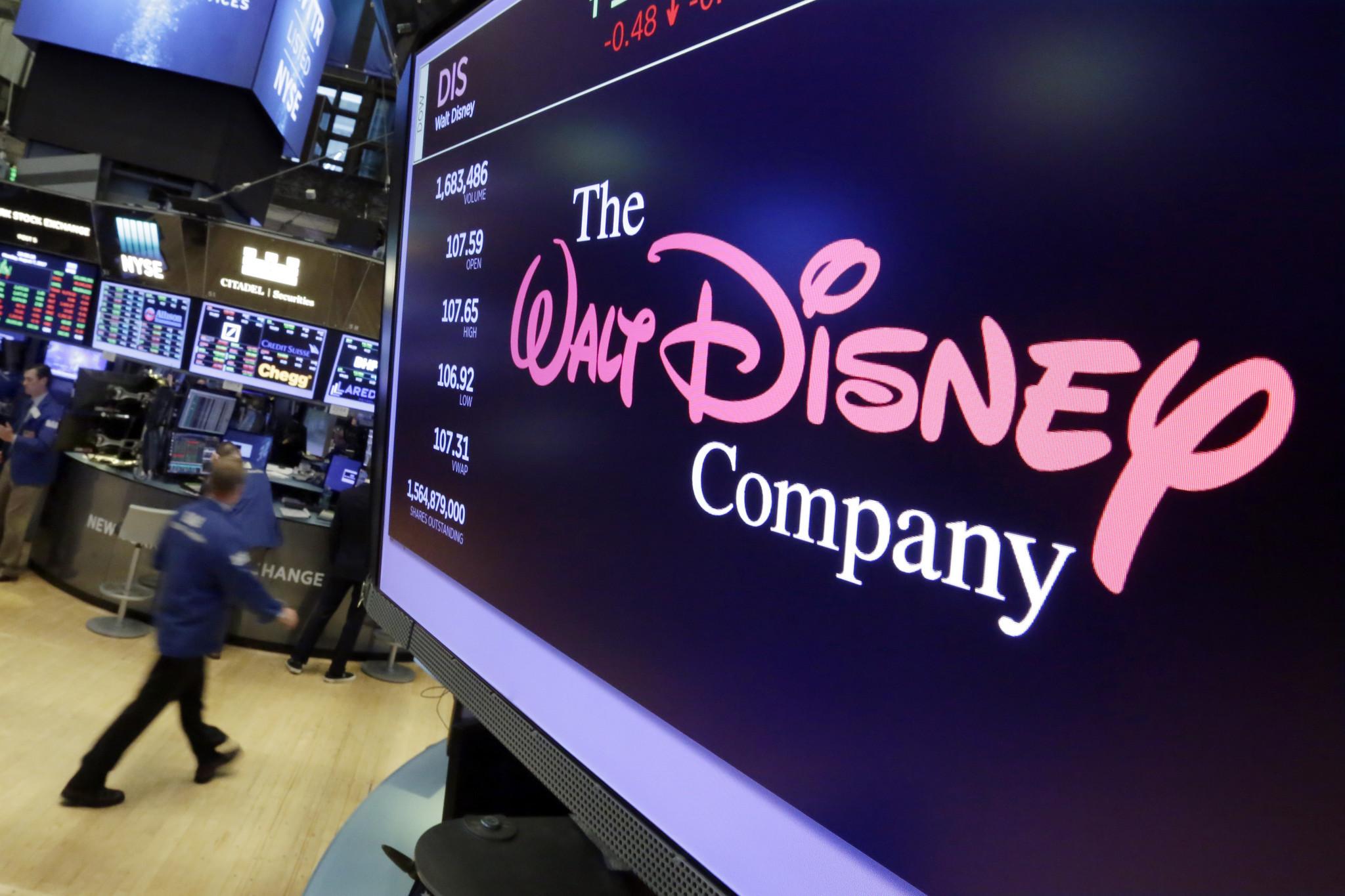 Disney's bid for Fox clears U.S. antitrust hurdle