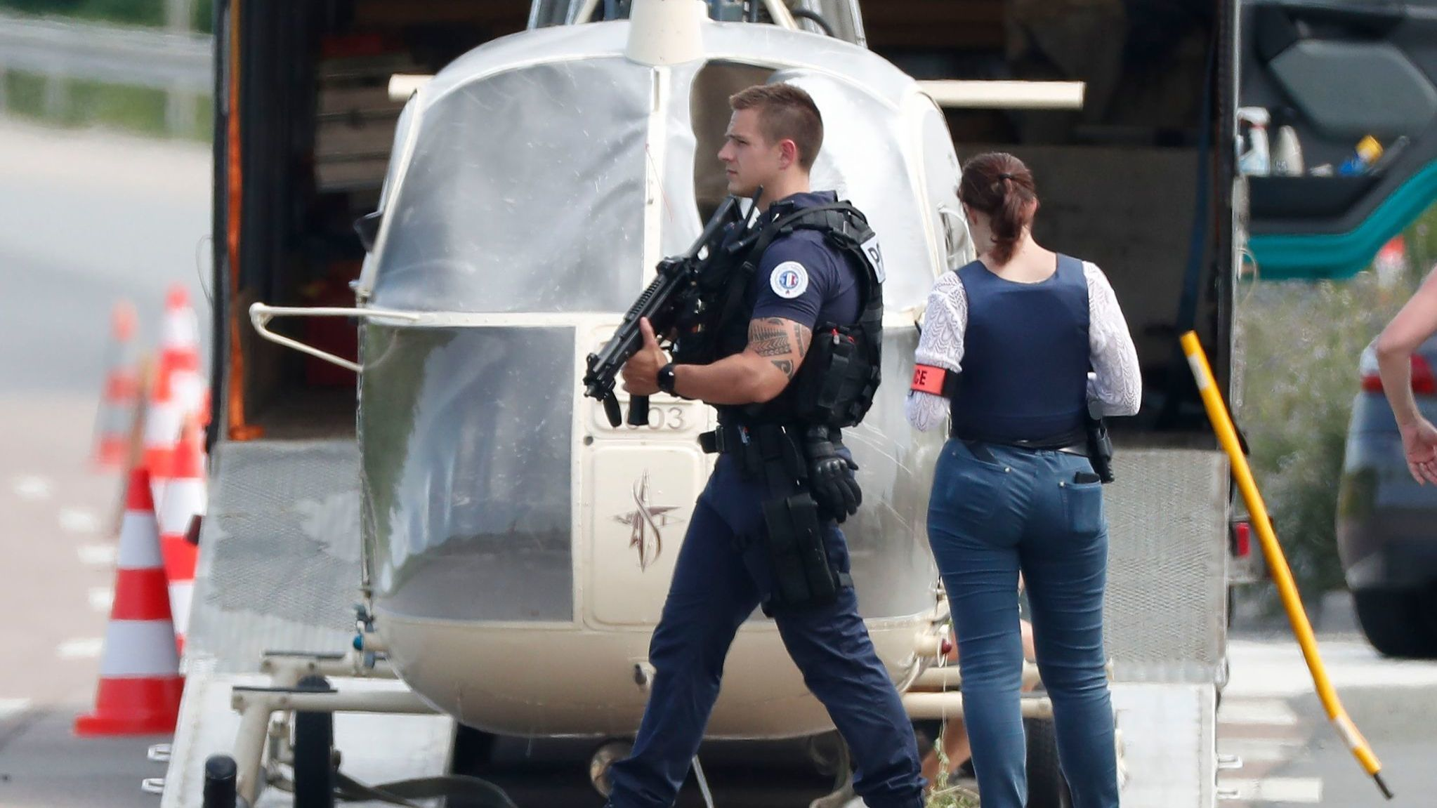 Notorious French criminal escapes from prison with help from heavily armed men in helicopter