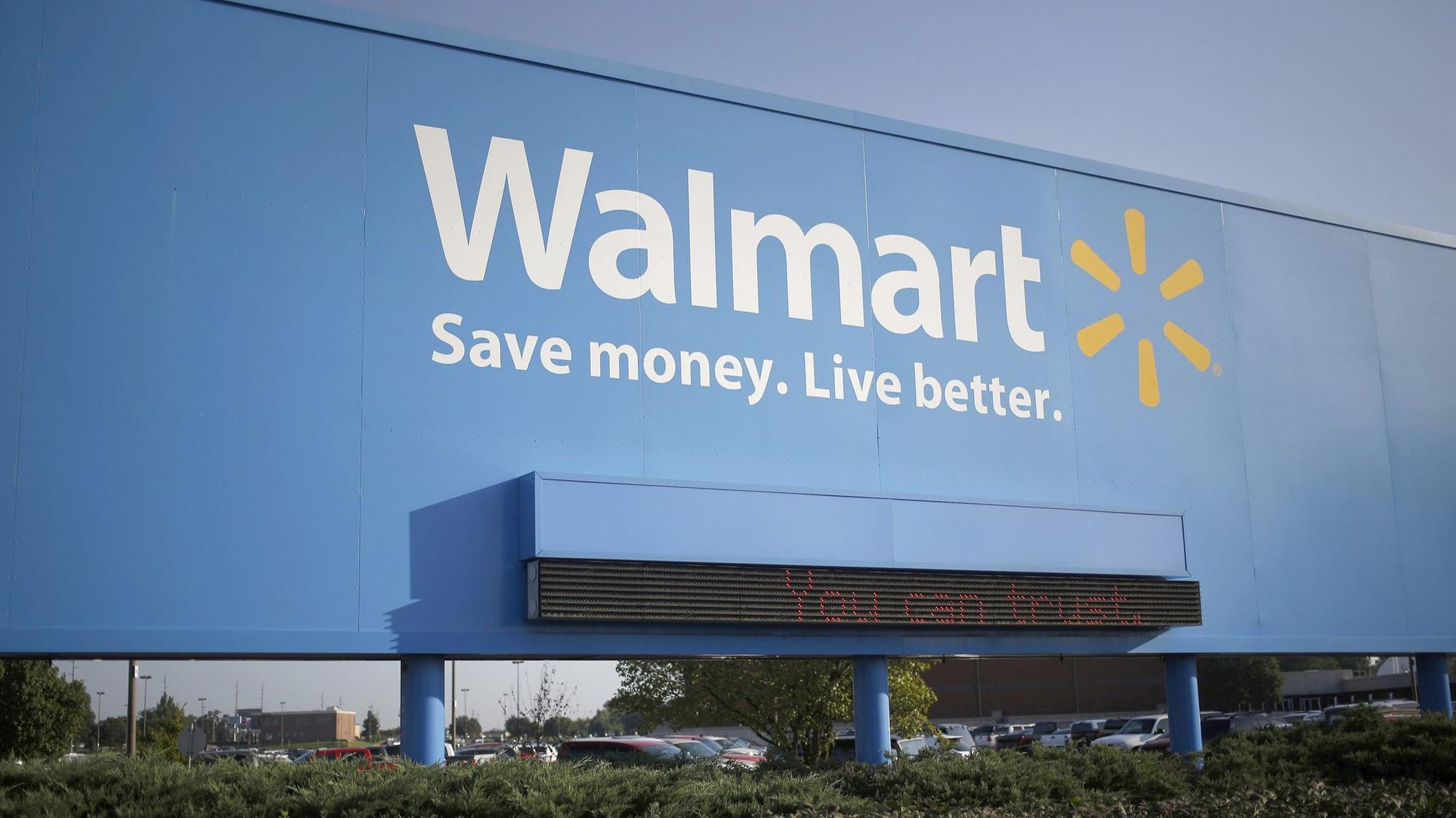 Wal-Mart draws fire for \'Impeach 45\' T-shirts - Chicago Tribune