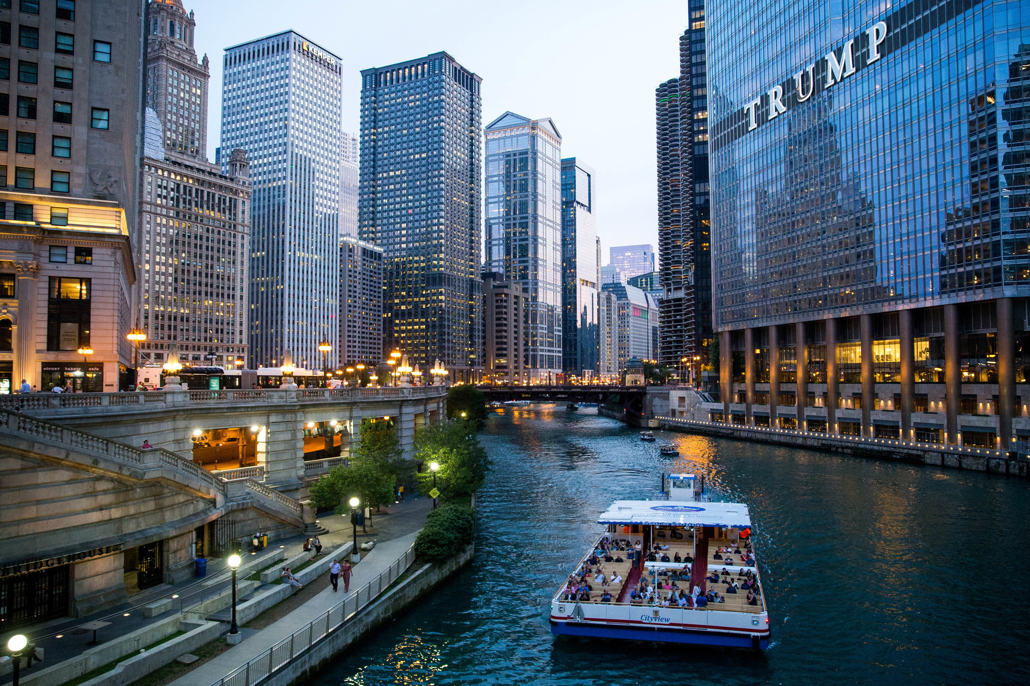 Architecture tours lead the way in bringing visitors to increasingly congested Chicago River